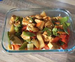 Hähnchen süßsauer mit Gemüse und Reis
