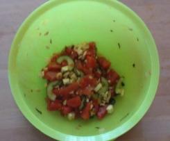Melonensalat mit Gurke und Feta, sommerlich frisch