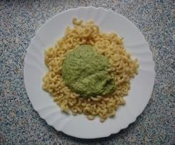 Nudeln mit Brokkoli Frischkäse Sauce