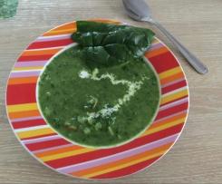 Kartoffel-Spinat-Suppe mit frischem Spinat