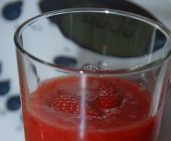 Fruchtiges Erdbeergetränk