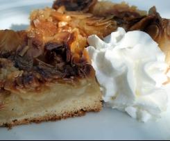 Apfelkuchen vom Blech mit Bienenstichkrokant