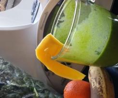 Simbra`s grüner Spinat-Obst Smoothie