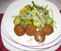 (SIS Abend Gericht)       Kohlrabi -Zucchini -Paprika Gemüse mit Mini Frikadelen