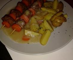 Möhren-Bratwurst-Spieße