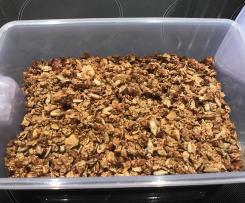 Granola/ Knuspermüsli (sehr lecker)