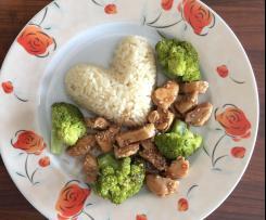 Hähnchen in Honig-Sesam-Sauce mit Reis