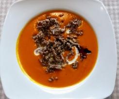 Herbstliche Kürbis/Hacksuppe (mit Tomaten)