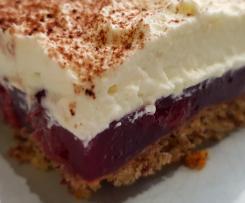 Gewitterkuchen vom Blech (Nuss-Kirsch-Kuchen mit Sahnehaube)