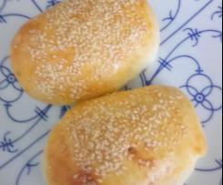 Sesam-Joghurt-Brötchen