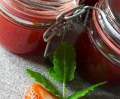 Erdbeermarmelade mit einem Hauch von Minze selbstgemacht