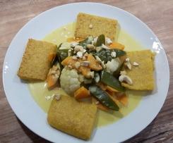 Polenta-Amaranth-Schnitten mit Gemüsekokoscurry