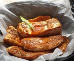 Gegrillter Schweinebauch und Koteletts