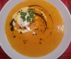 Kürbis-Mango-Suppe