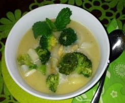 Kartoffelsuppe mit Spargel und Brokkoli