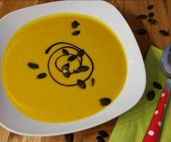 Pikantes Hokkaido-Süppchen mit Curry * Kürbissuppe Kürbiscremesuppe