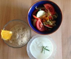 Scharfes Schmorgemüse mit kalten Orangen-Couscous und Naturjoghurt
