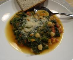 Gemüsesuppe mit Spinat und Kichererbsen
