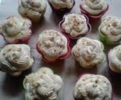 Erdnussbutter-Cupcakes mit Frischkäse-Frosting