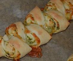 Variation von Pizza-Brot-Zopf (Partyähre aus Finessen 1/2011) Bärlauch-Pesto-Partyähre