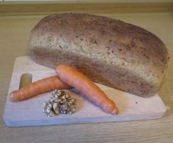 Dinkel Karottenbrot mit Walnüssen