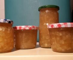 Apfel-Birne-Fruchtgenuss mit Sternanis und Amaretto(Marmelade)