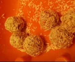 Mango-Cashew Energiekugeln / Clean Eating Pralinen, Vegane Pralinen, fruchtige Energiebällchen