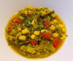 Brokkolisuppe mit Mais und Paprika