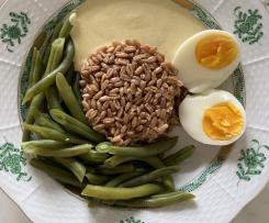 Dinkel mit grünen Bohnen und Currysauce
