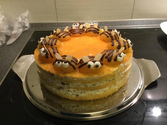 Bienchenkuchen Geburtstagskuchen Motivtorte Von Wuchen Ein