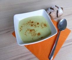 Pfiffige Zucchinicurrycremesuppe