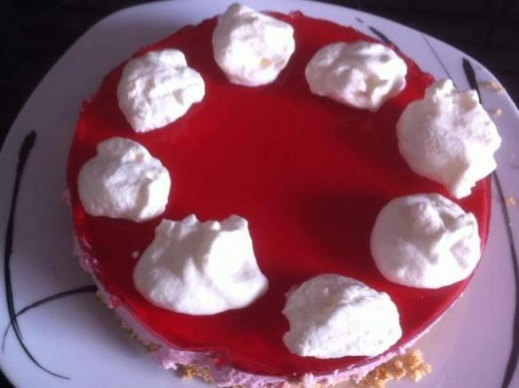 Mini Kühlschrank Für Kuchen : Kühlschrankkuchen göttliche himbeer wölkchen torte von
