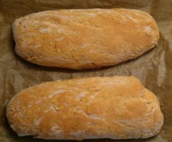 Herzaftes Tomaten-Basilikum-Brot oder Brötchen