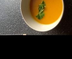 Süßkartoffel-Kürbissuppe