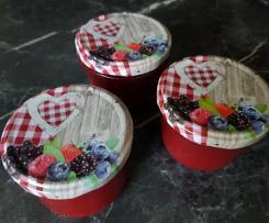 Marmelade mit gefrorenen Erdbeeren
