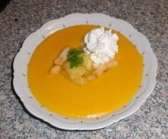 Süßkartoffel-Kürbis-Suppe mit glasierten Äpfeln