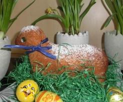 Osterlamm aus saftigem Eierlikör-Rührteig