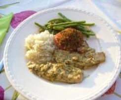 Hühnerbrust in Senf-Estragonsosse mit überbackenen Tomaten, grünen Bohnen und Reis
