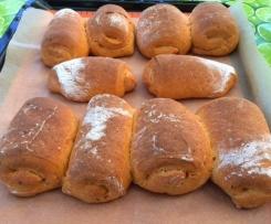 Mediterrane Dinkelbrötchen mit gegrillten Paprika und Schafskäse*Dinkelhörnchen mediterran