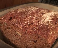 Dinkel-Roggen Brot mit Kürbiskerne