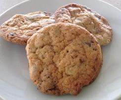 Nuss-Schoki-Rosinen-Cookies