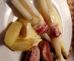 Spargel mit Kartoffeln (Variation) mit Sauce Hollandaise und Schweinemedaillons