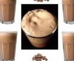 Variation von cremiger Eiskaffee