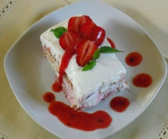 Erdbeer-Holunder-Tiramisu