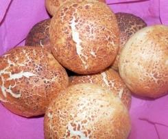 Tijgerbolletjes: fluffige Weizenmehl-Brötchen mit knusprigem Tigerfell