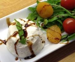 Parmesanmousse auf Spargel-Salat