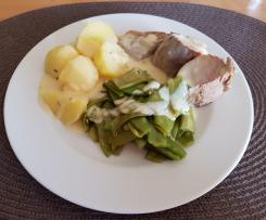 Schweinefilet, Zuckerschoten und Kartoffeln mit Senfsoße