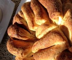 Variation von Knoblauch-Faltenbrot , Zucker-Zimt-Faltenbrot