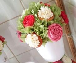 Vanille Cupcakes mit Frosting * Blumenbouquet *