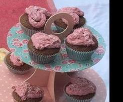 Bärchenkuchen als Schoko-Muffins mit Himbeertopping